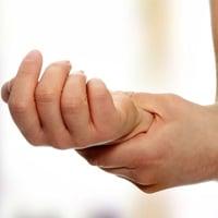 Боль в левой руке при остеохондрозе