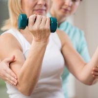 Упражнения для реабилитации плечевого сустава