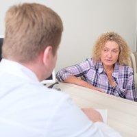 Причины боли в спине под ребрами: причины, лечение