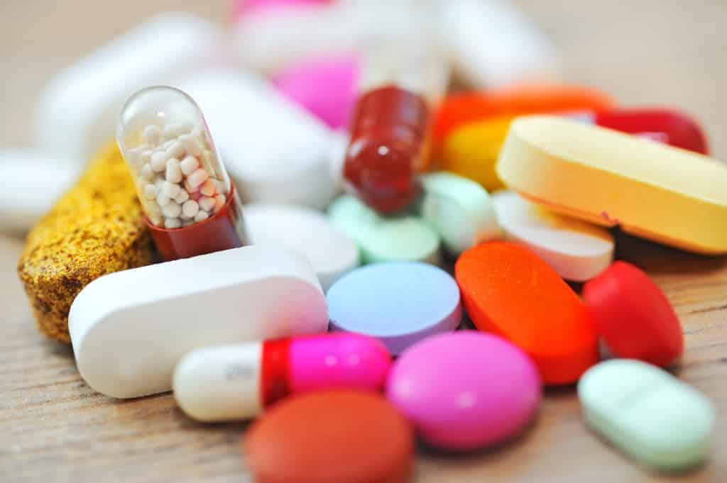 Лучший антибиотик при бронхите у взрослых: список, назначение врача, состав препаратов, плюсы и минусы
