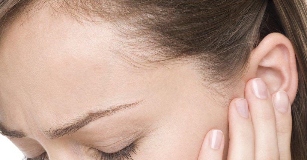 Опухоль в районе уха и челюсти