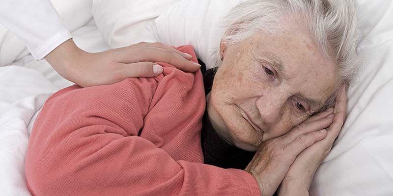 Нарушения сна усугубляют болезнь Альцгеймера