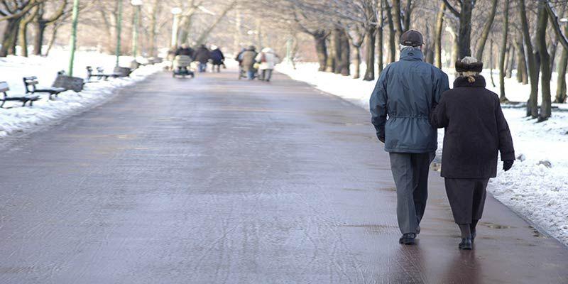 Замедление походки – признак приближающейся болезни Альцгеймера?