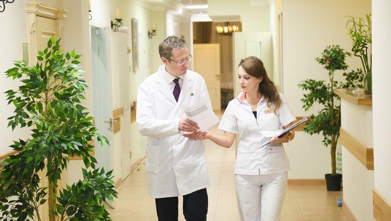 Руководитель Клиники деменции Юсуповской больницы - профессор В.В. Захаров