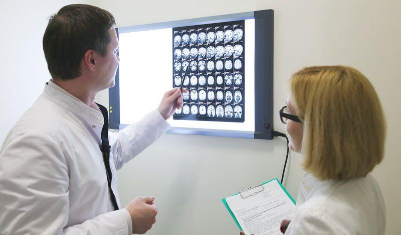 Неврологи Сергей Владимирович Петров и Ольга Владимировна Бойко